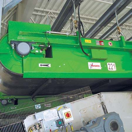 Electromagnetic overband for conveyors